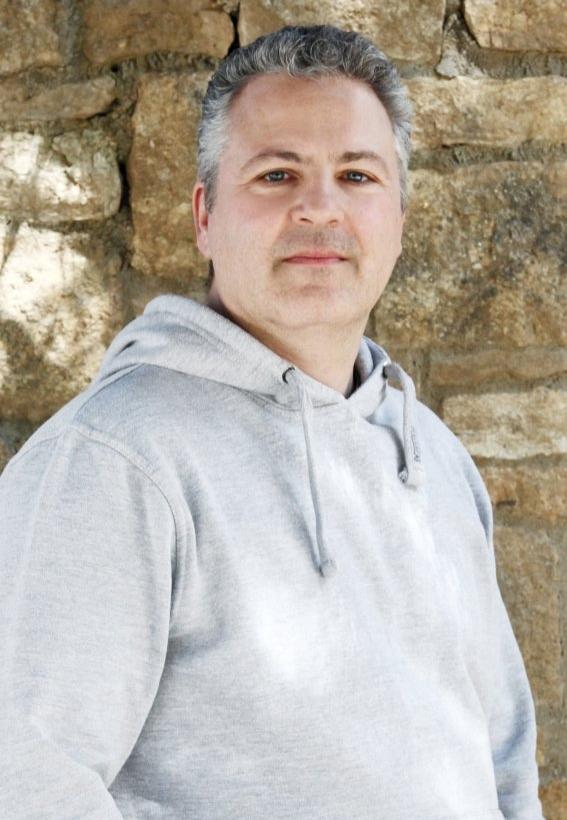 Konstantinos Chartofylis (Netzwerkadministration Und Hausbetreuung)