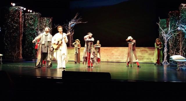 GS Im Theater 01
