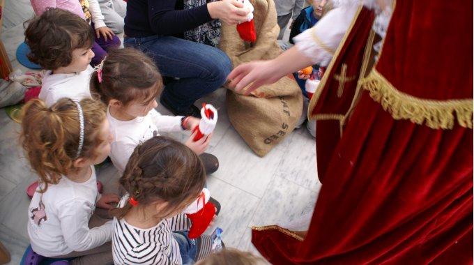 Der Nikolaus Besucht Den Kindergarten