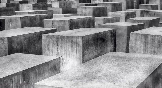 Holocaust17 01