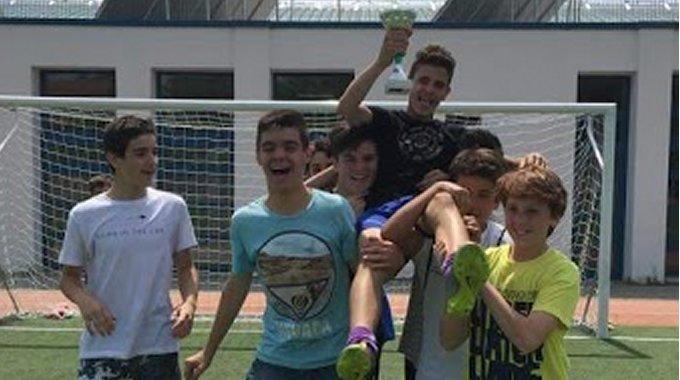 Ενδοσχολική πρωταθλήτρια ομάδα ποδοσφαίρου.