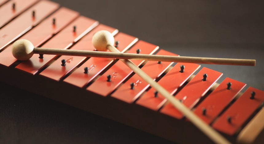 Παίζοντας ορχηστρική μουσική