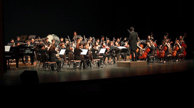 Η Διευθύντρια Ορχήστρας Μπάρμπαρα Βενετικίδου ενθουσιάζει τους μαθητές της ΓΣΘ