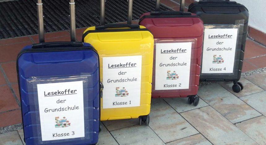 """""""Der Lesekoffer Geht In Der Grundschule Auf Reisen!"""""""
